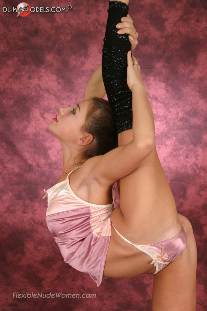 Hot flexible nude women